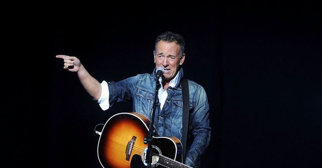 Bruce Springsteen Sucks