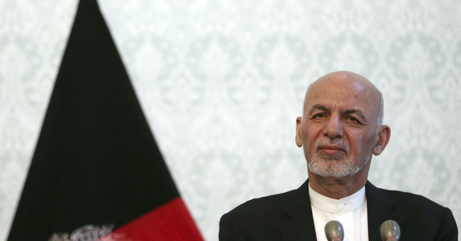 Pompeo Calls Afghan President Amidst Talks with Taliban