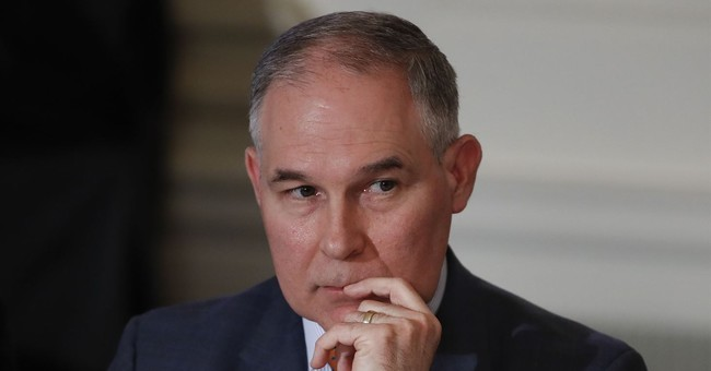 Trump Insists He Still Has Confidence In Scott Pruitt Amid Growing Scandal
