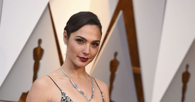 'Miss Israel' and 'Wonder Woman' Gal Gadot to Produce Movie Glorifying Historic Israel-Enemy Fidel Castro