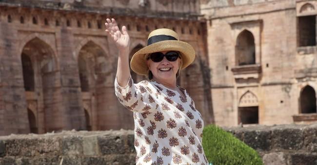 Clinton Tumbles Down the 'Marriage Gap'