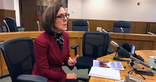 With Governor's Support, Oregon Senate Votes to Bypass Electoral College
