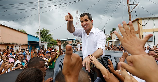 Venezuelan gov't envoys arrive in Barbados for talks with opposition