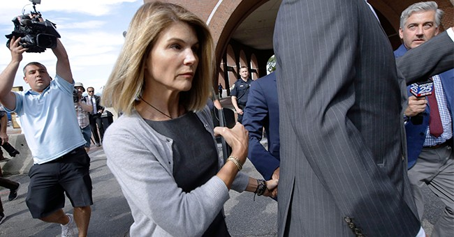 Lori Loughlin Finally Agrees to Plead Guilty in College Admissions Scandal