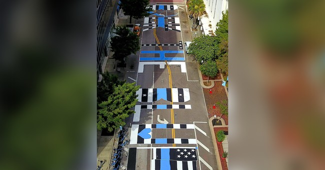 Pro-Police Groups Paint Nation's First 'Back the Blue' Street Mural in Tampa