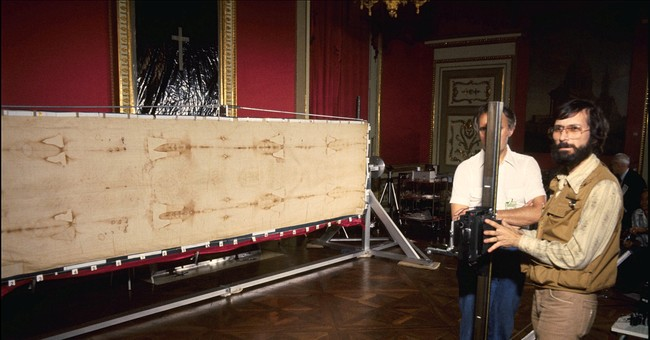Shroud of Turin: Interview with World's Leading Expert Who Happens To Be Jewish