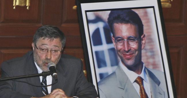 Pakistani Court Overturns Conviction in Murder of American Journalist