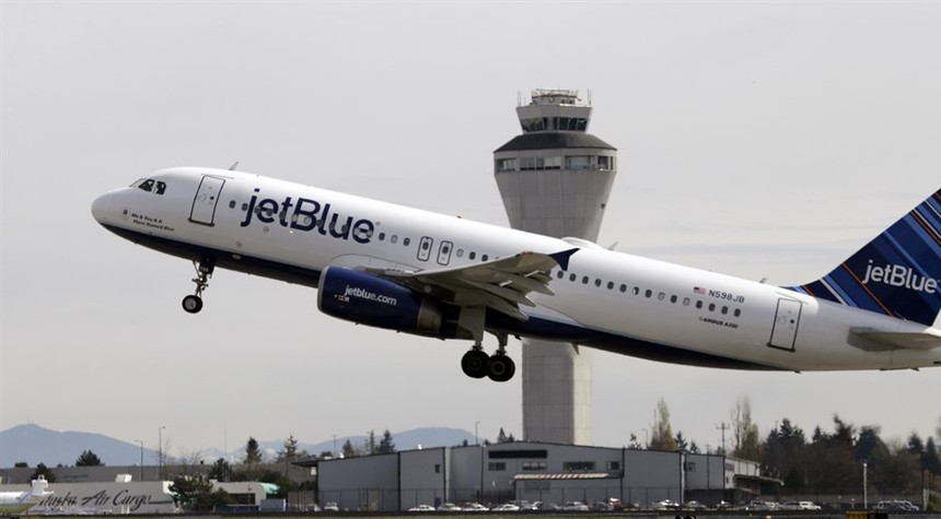 Muslim Passenger Screaming 'Allah' Tries to Storm Cockpit of JetBlue Flight Out of Boston
