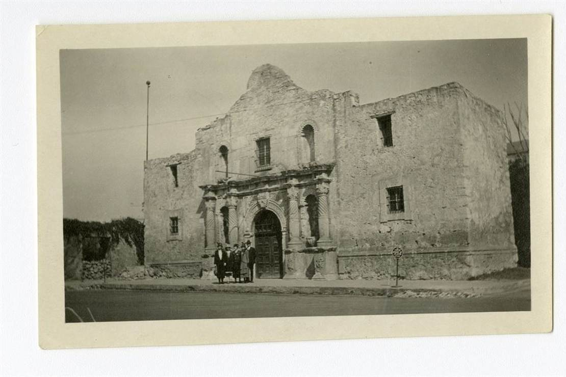 Texas State Historical Assn's Chief Historian Says the Alamo Was an 'Insignificant' Battle and Represents 'Whiteness.' What Do Texas History Experts and the Facts Say?