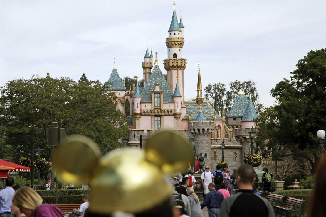Disneyland Cancels Vital Annual Passholder Program In The Face Of Continued CA Shutdowns