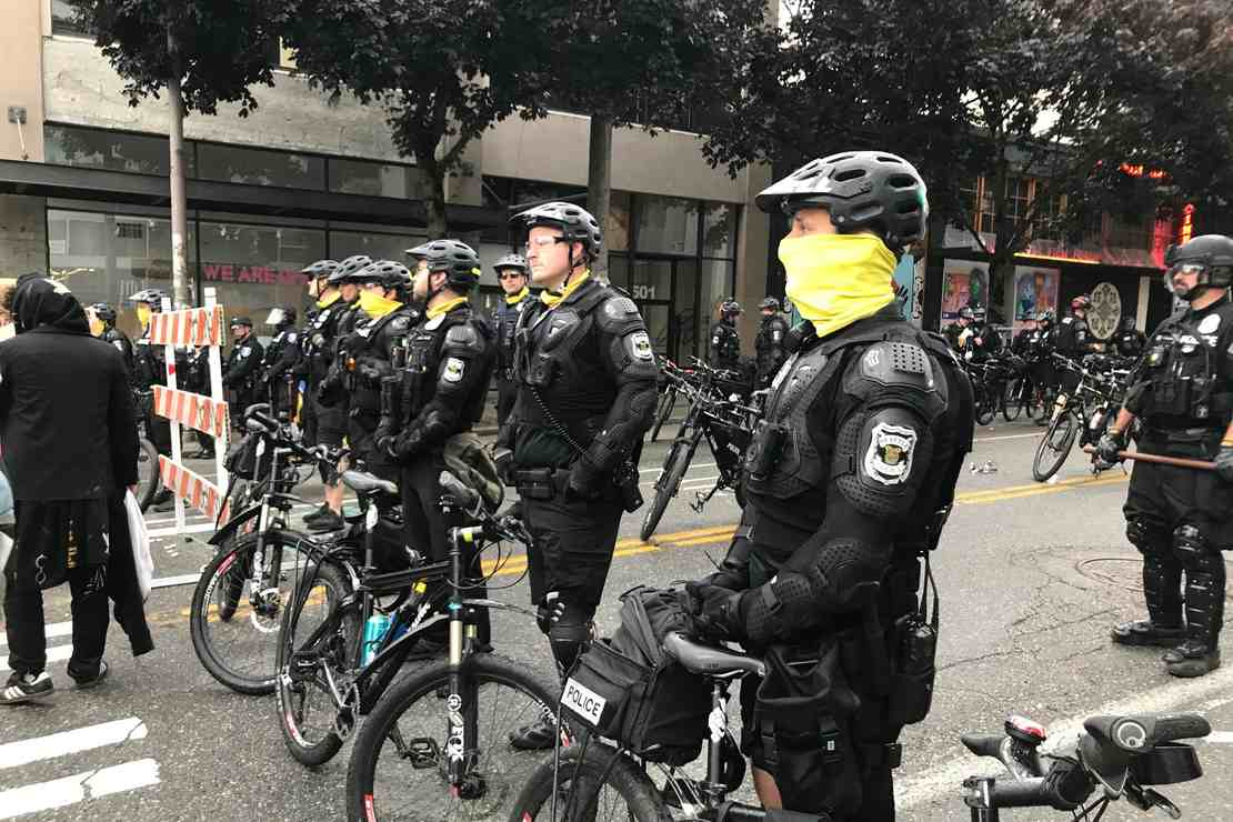 """Seattle reaches """"stage 3 emergency"""" over police shortage"""