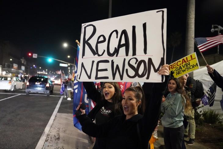 California Orders 5,000 Body Bags For Hospitals | NewsRadio KFBK