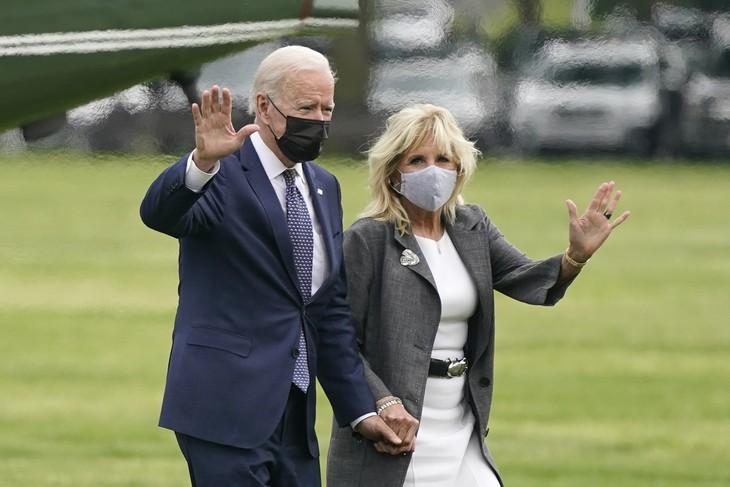 Jill Biden offers 'love' during UK trip