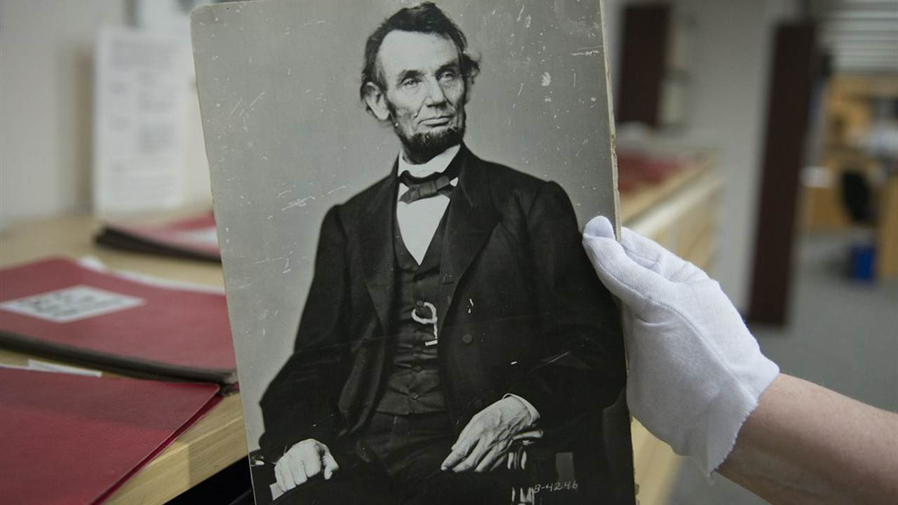 University of Wisconsin-Madison Student Government Votes Unanimously to Remove Statue of Abraham Lincoln
