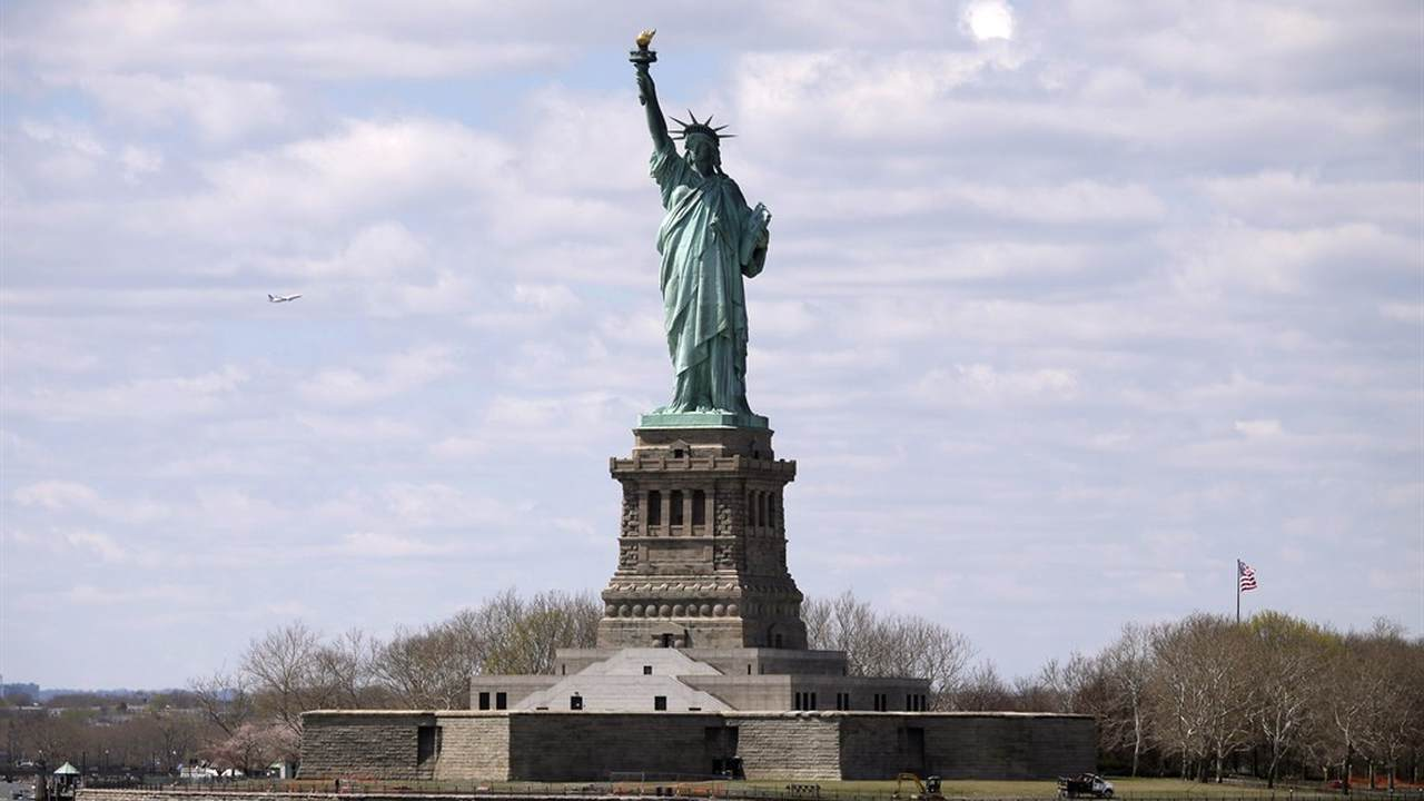 statue of liberty 3 essay Read this essay on the statue of liberty come browse our large digital warehouse of free sample essays get the knowledge you need in order to pass your classes and.