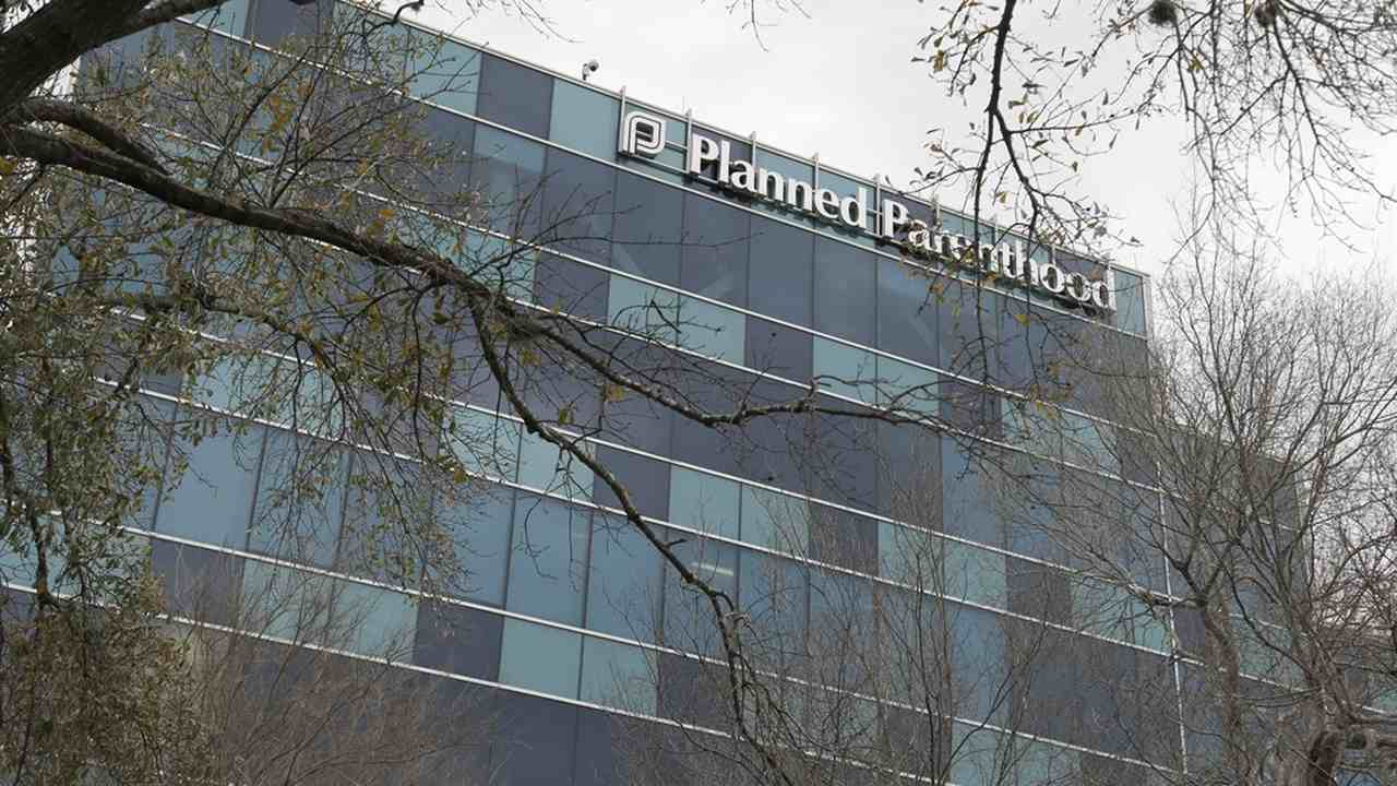Pro-lifers Spray Painted a Message in Front of NYC Planned Parenthood Clinic