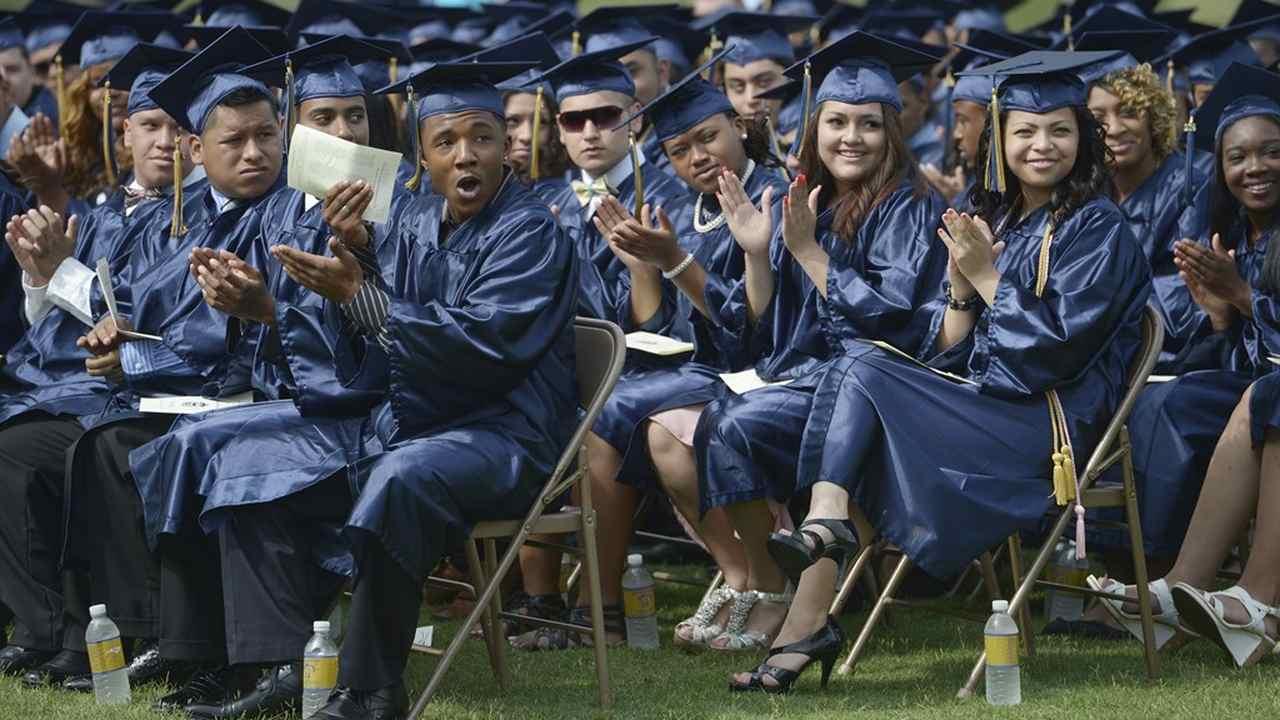 Oklahoma Town Honors 2020 High School Graduates In a Heartfelt Way