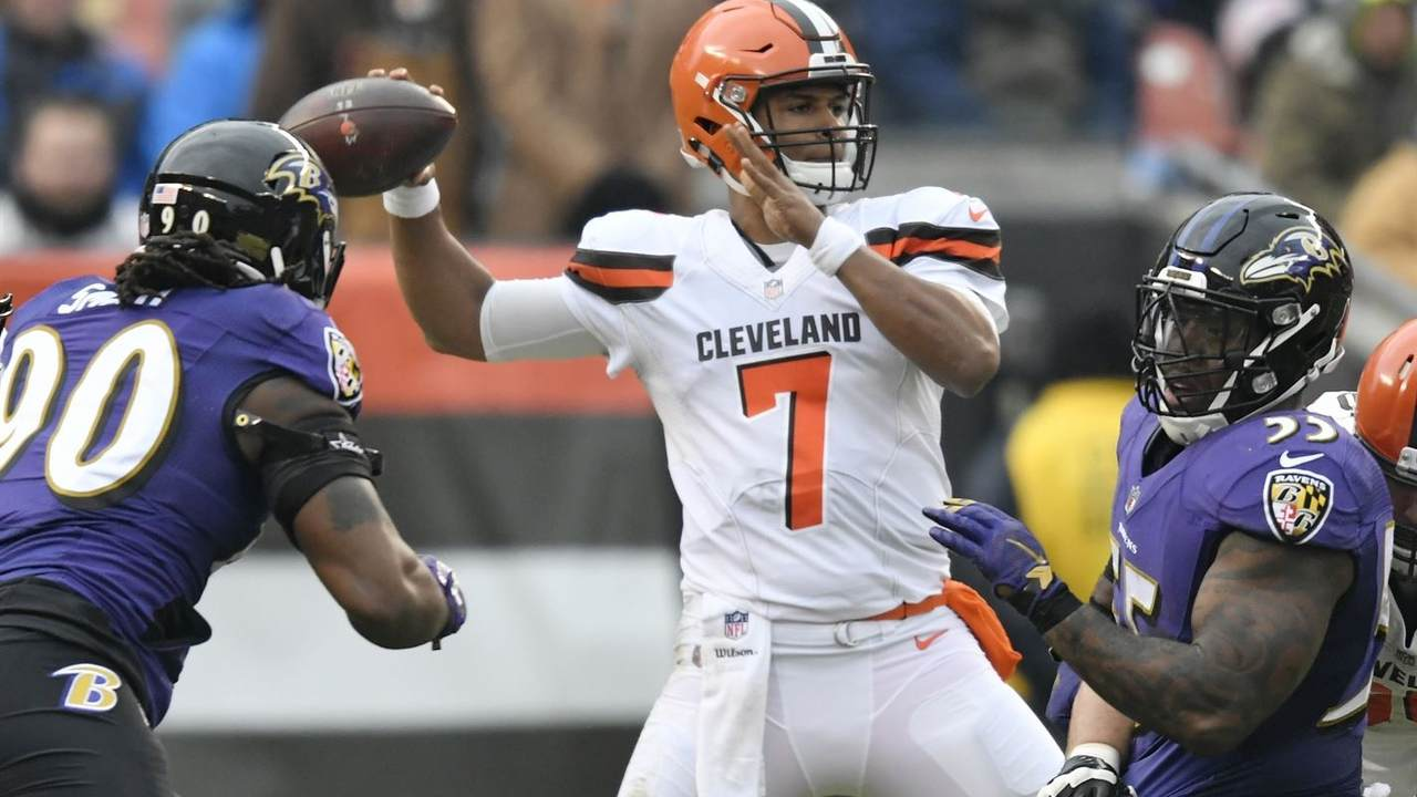 The Tragic End to Deshone Kizer's NFL Career...And It Began Where QBs Usually Go to Die
