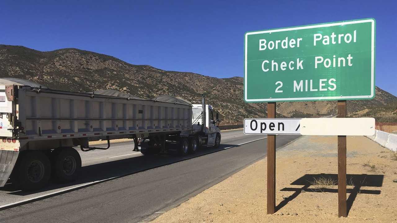 Border Patrol Agents Arrest Suspected Kidnapper, Rescue Toddlers