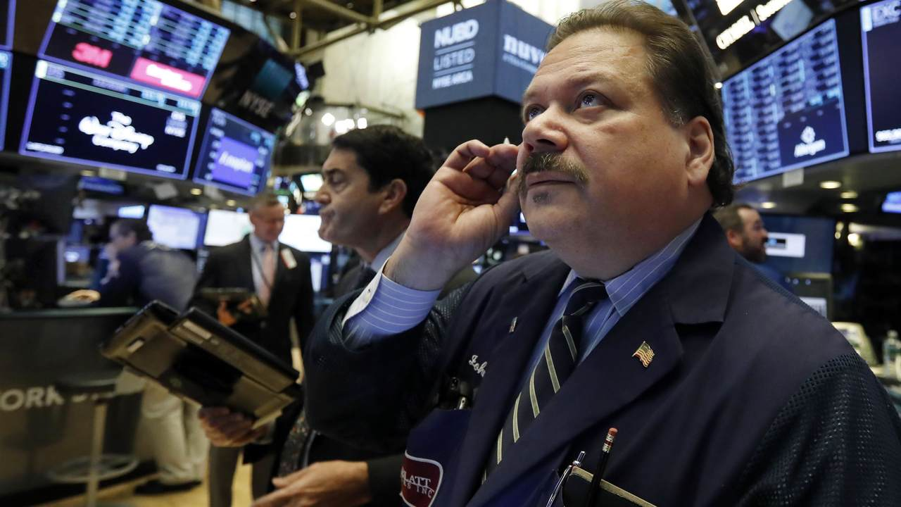 Markets Right Now: Stocks end a wobbly day broadly lower - Breaking News