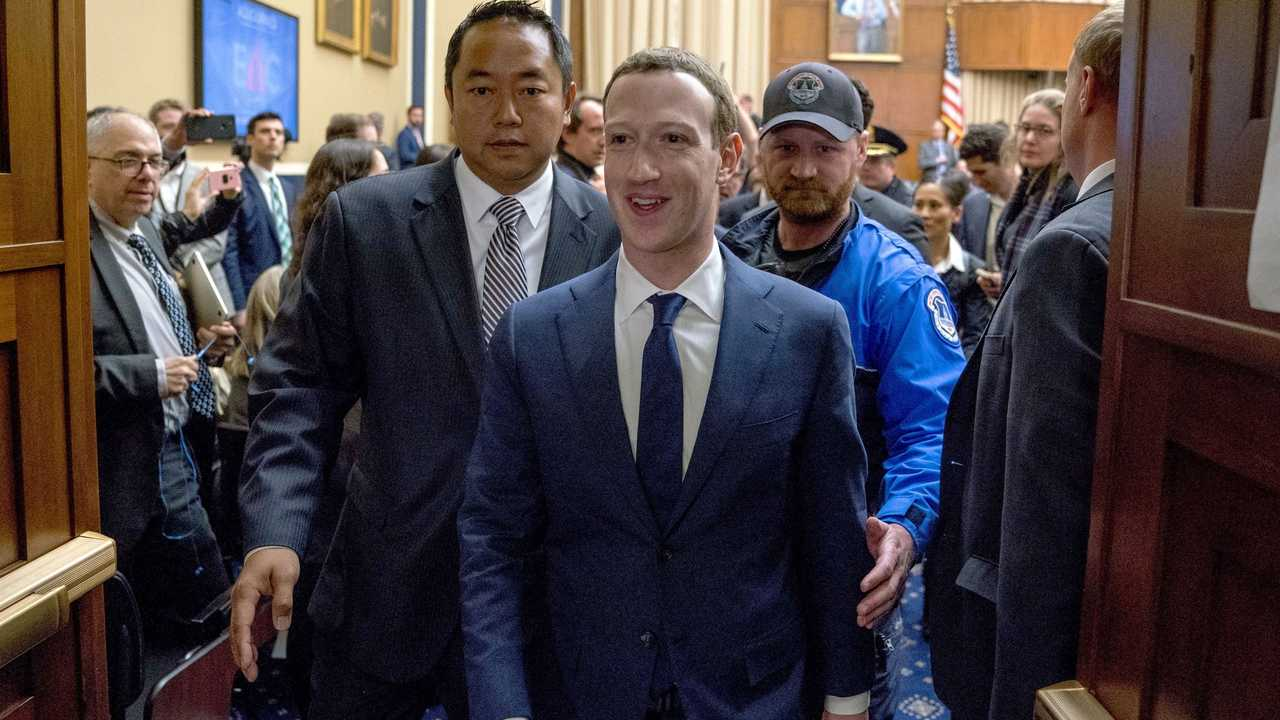 نتيجة بحث الصور عن Mark Zuckerberg + Bodyguard