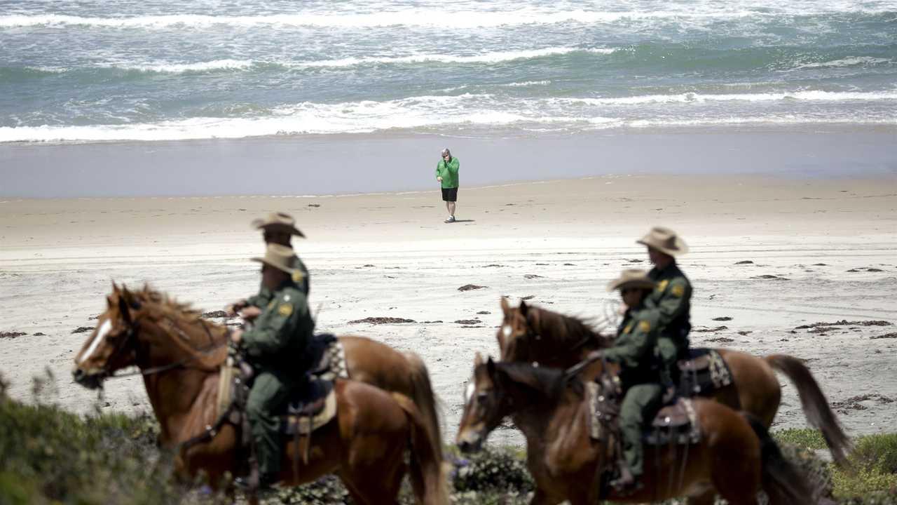 Mounted Border Patrol Agents Apprehend 125 Illegal Aliens