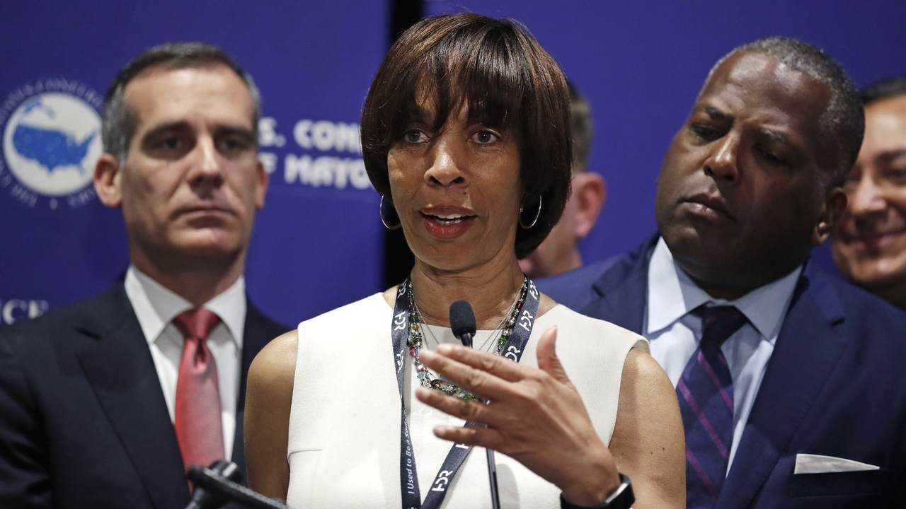 Former Baltimore Mayor Succeeds in Delaying Her Prison Sentence