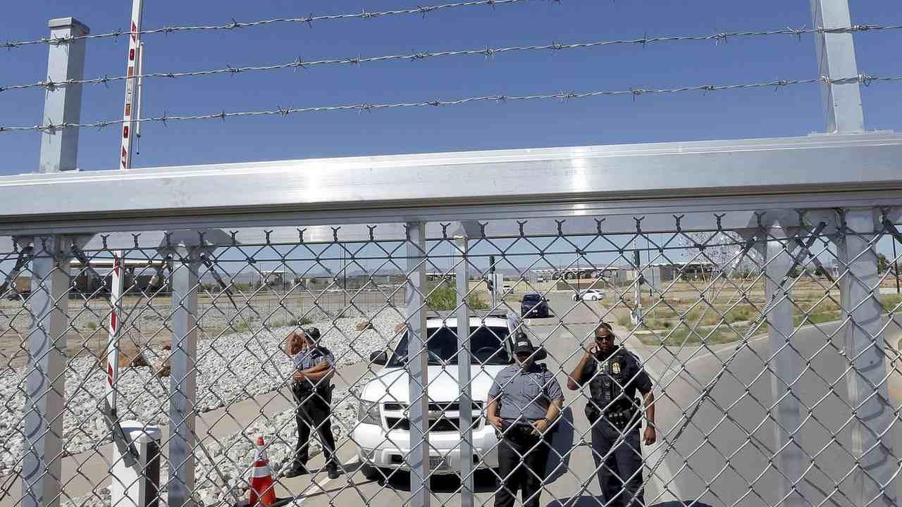 Trump Administration Extends Border Restrictions Amid Coronavirus Pandemic