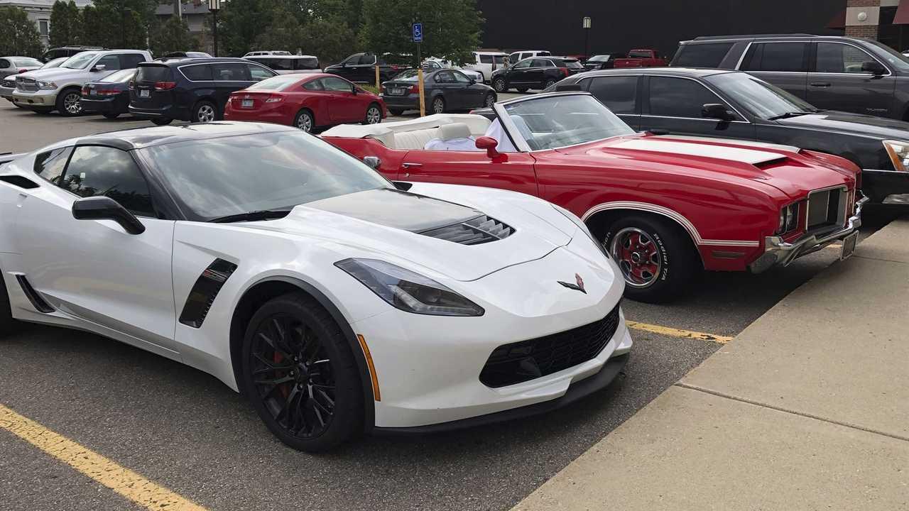 Georgia Restaurant Owner Sells Car to Help Employees