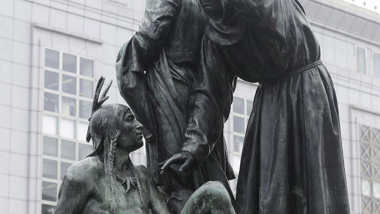 San Francisco statue that some call racist is removed - Breaking News