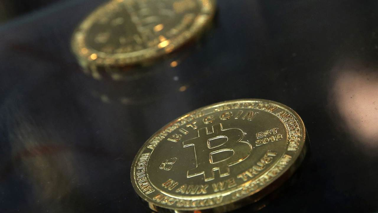 what is causing bitcoin to drop