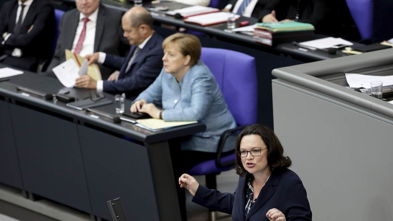 German government seeks to end standoff over spy c...