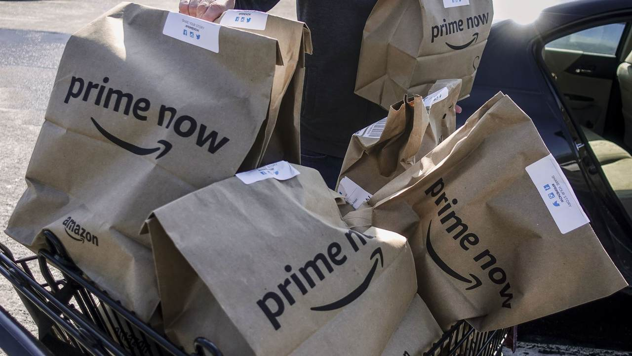 WATCH: A Small Act of Kindness Brightens an Amazon Worker's Day