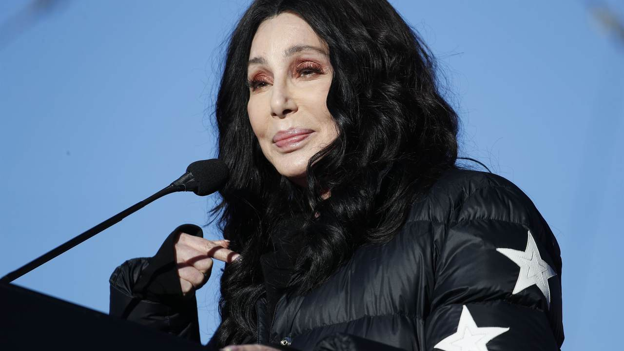 What a Doozy: Cher Becomes Completely Unhinged Over the USPS