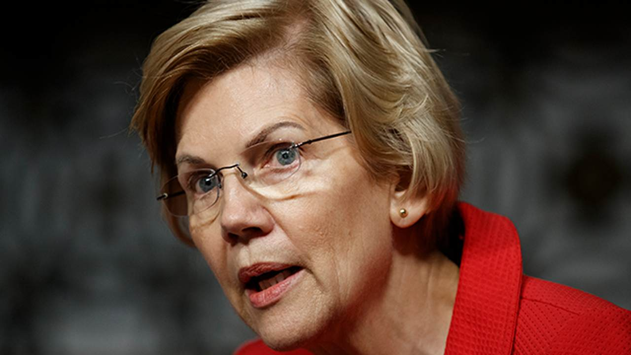 Elizabeth Warren Owes Fox News Employees an Apology