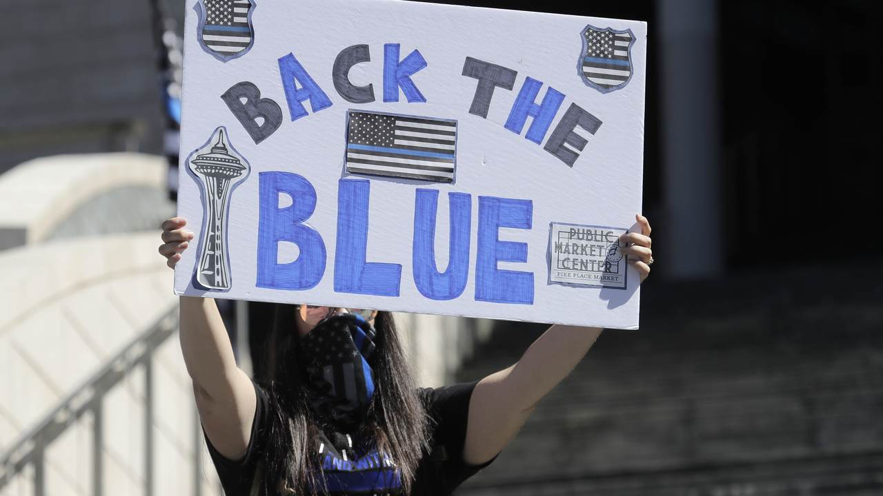 Poll Finds a Majority of Likely Voters Want 'Blue Lives Matter' Laws