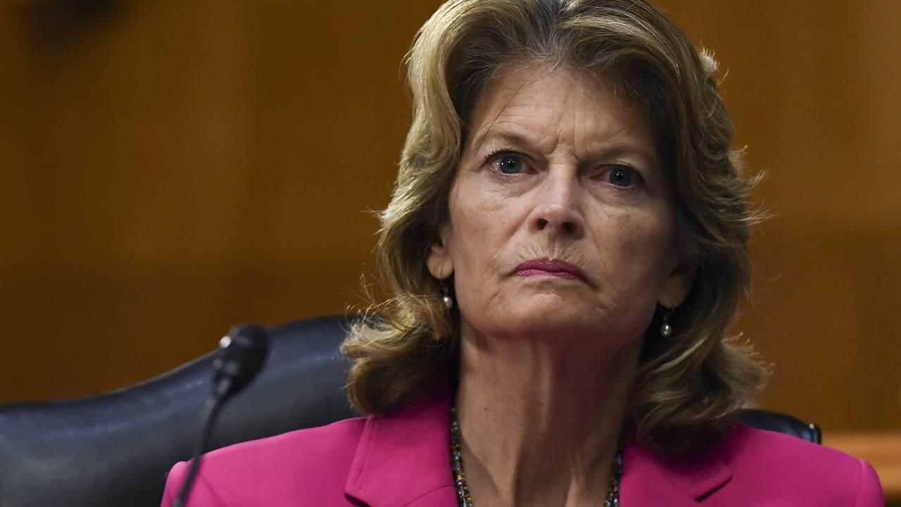 Familiar GOP Face Threatens to Primary Murkowski Over SCOTUS Position