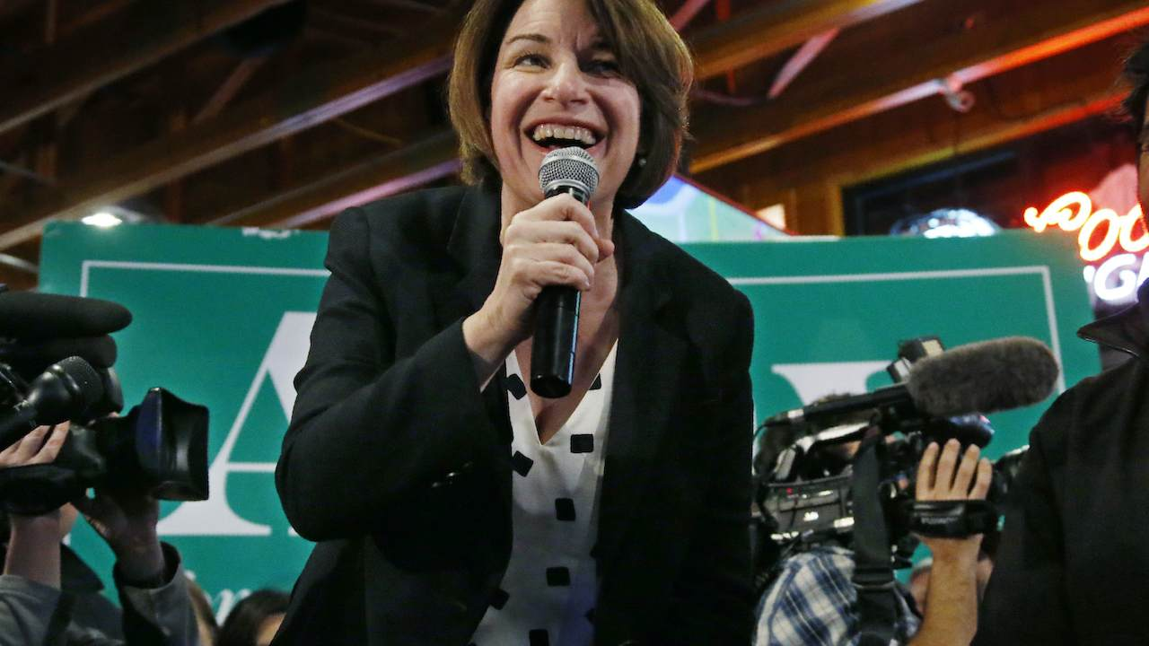 Klobuchar Now Opposes Making English the Official Language of the United States