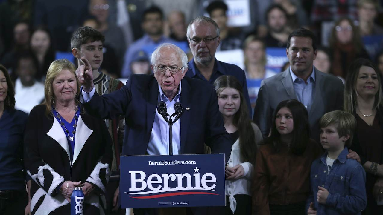 Sanders Vows to 'Substantially Increase' Funding for Planned Parenthood