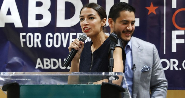Alexandria Ocasio-Cortez Bans Reporters From Public Town Halls - Hit & Run