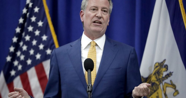 Protesters Chant 'Liar' at Bill de Blasio During GMA Interview